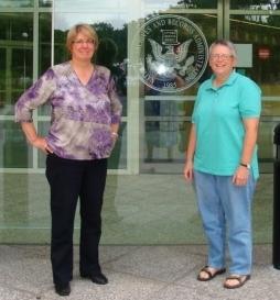 Karen Perdue (l) and Ellen Ganley
